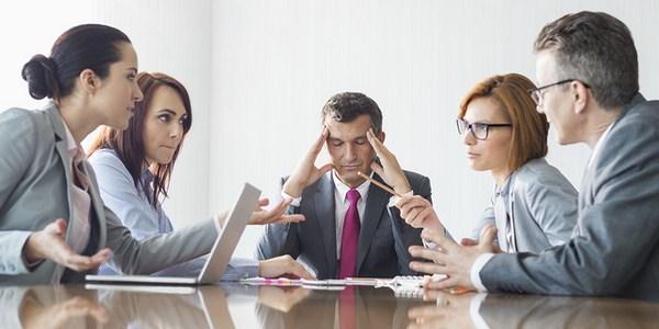 ilustrasi konflik karyawan