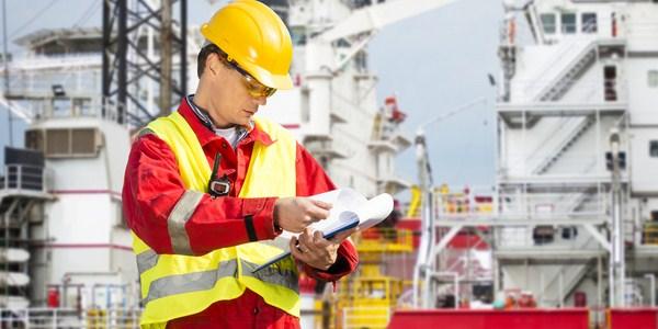 Ilustrasi karyawan perusahaan tambang minyak