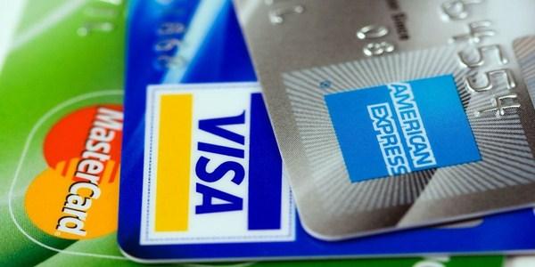 Ilustrasi biaya kartu kredit