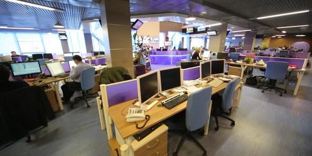 Ilustrasi lingkungan kerja yang baik