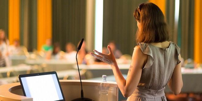 Ilustrasi mengatasi kegugupan saat presentasi