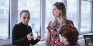 6 Cara Menghadapi Kritikan Layaknya Profesional Kelas Dunia