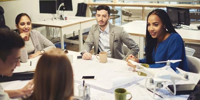 Ilustrasi mentor karyawan